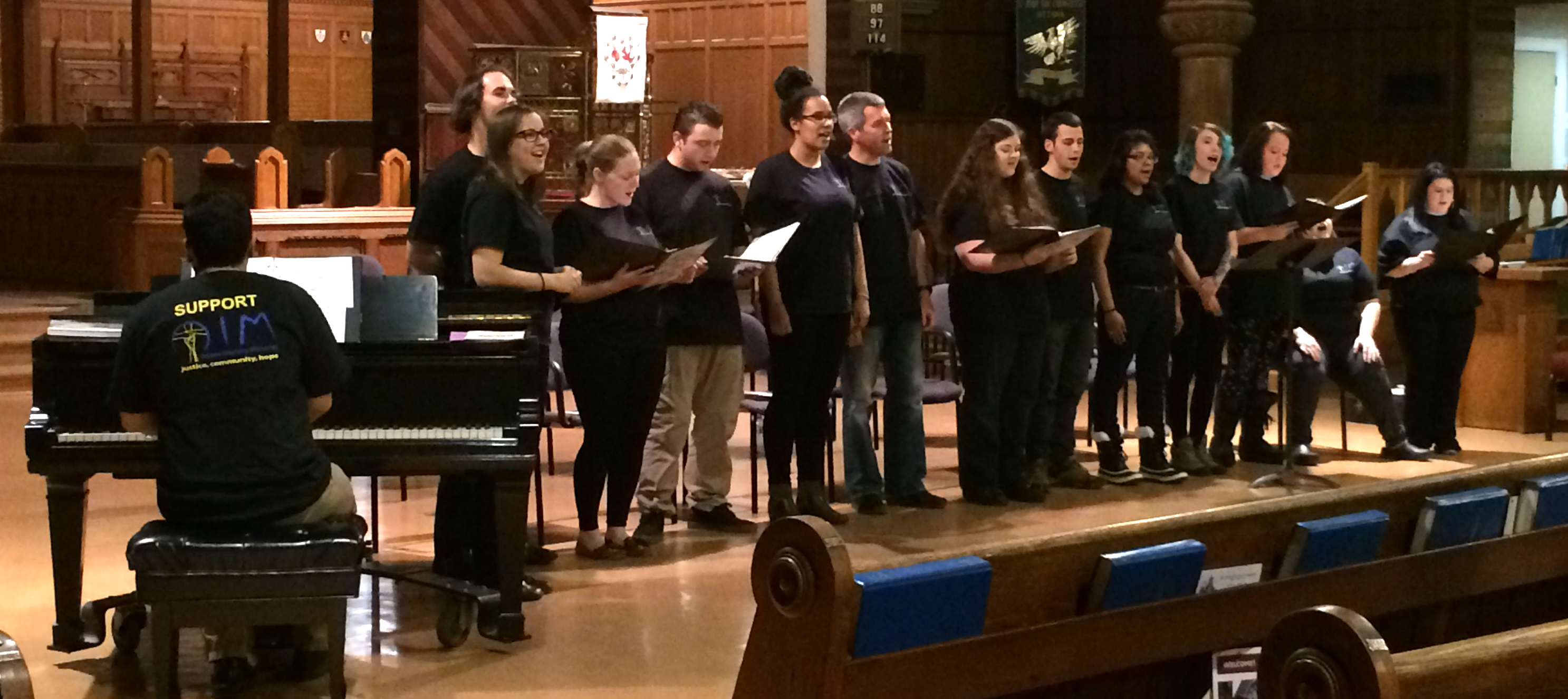 Spirit-of-the-Streets-Choir-in-Concert